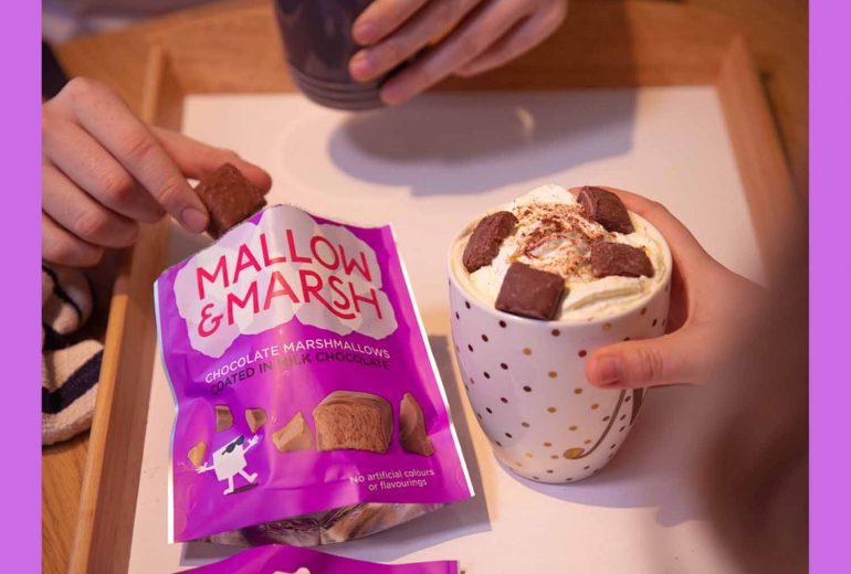 ultimate-hot-chocolate-with-marshmallows